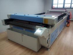 Лазерный станок Rabbit HX-1630 (с автоматической подачей ткани из рулона)